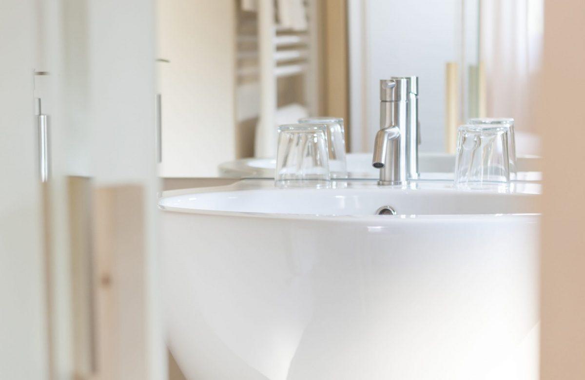 lavabo del bagno dell'hotel-mayr