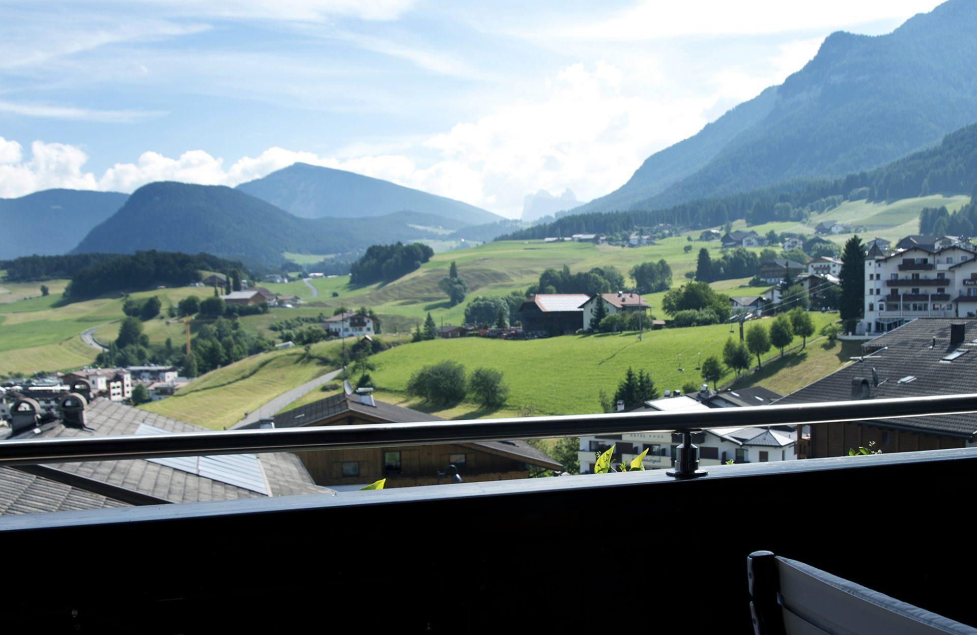 Residence Mayr Balkon Blick Seiser Alm