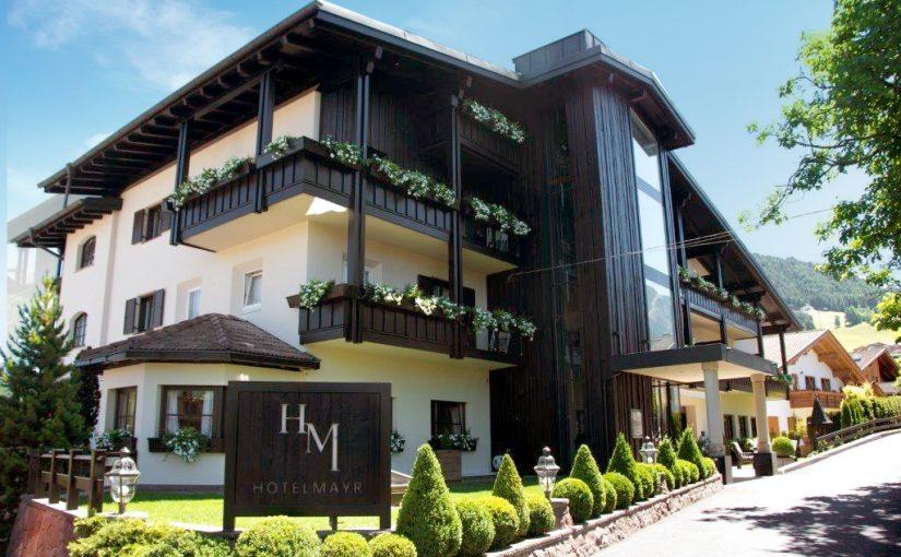 hotel-mayr-kastelruth-hauptgebäude