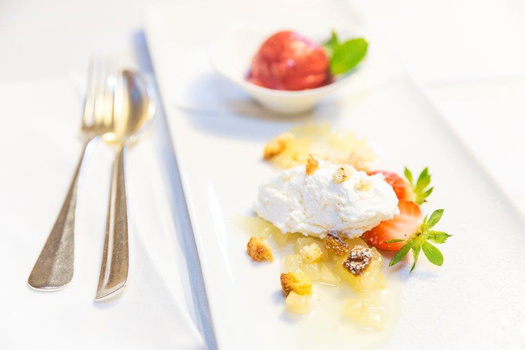 Hotel Mayr Dessert Erdbeeren und Eis