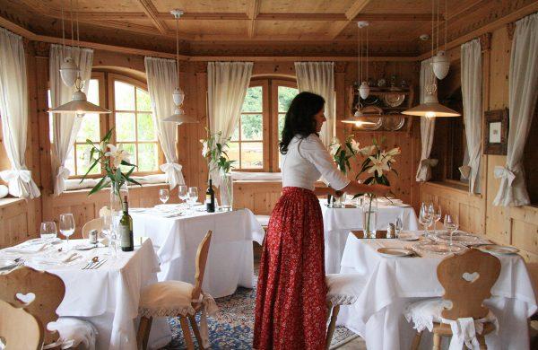 Astrid Mayr Speisesaal Hotel Kastelruth