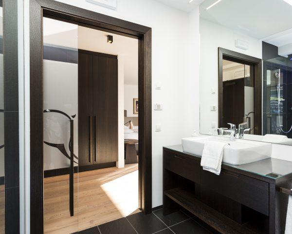 Mayr Superiorzimmer Badezimmer Waschbecken