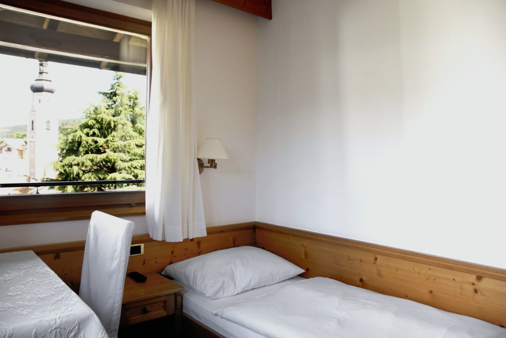 residence-mayr-single room-single bed