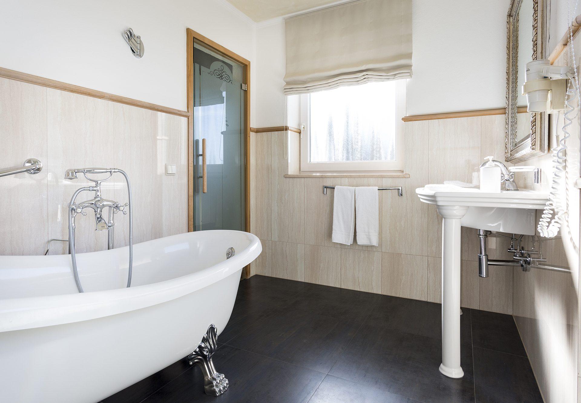 camera standard camera-bagno-vasca da bagno