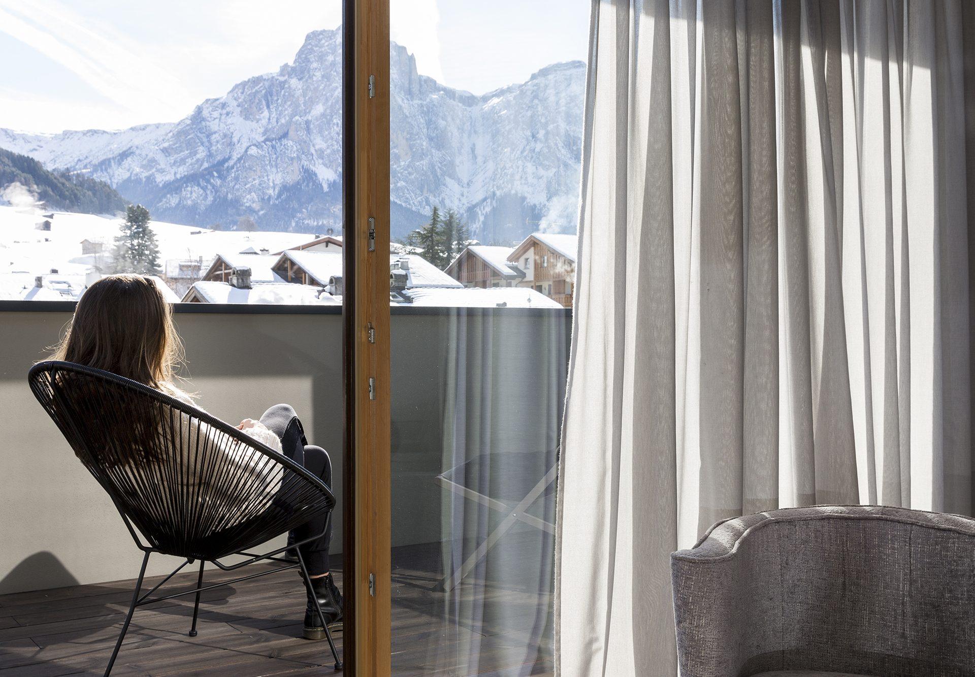 Hotel Mayr Superiorzimmer Balkon mit Blick auf Seiser Alm