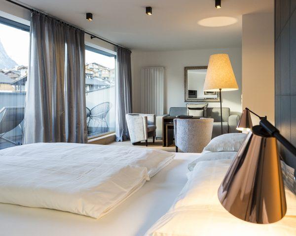 lampada da letto-letto-scrivania superiore